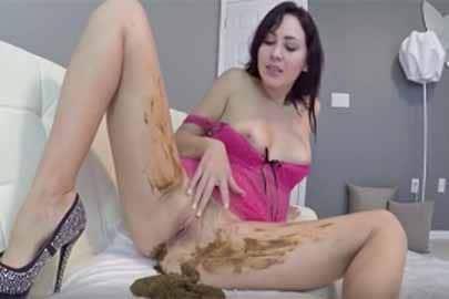 Kaviar Masturbation mit einer perversen Scat Schlampe